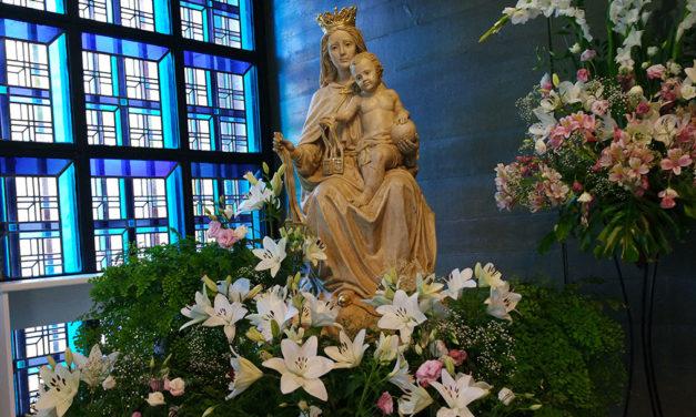Nossa Senhora do Carmo, fragrâncias poéticas…